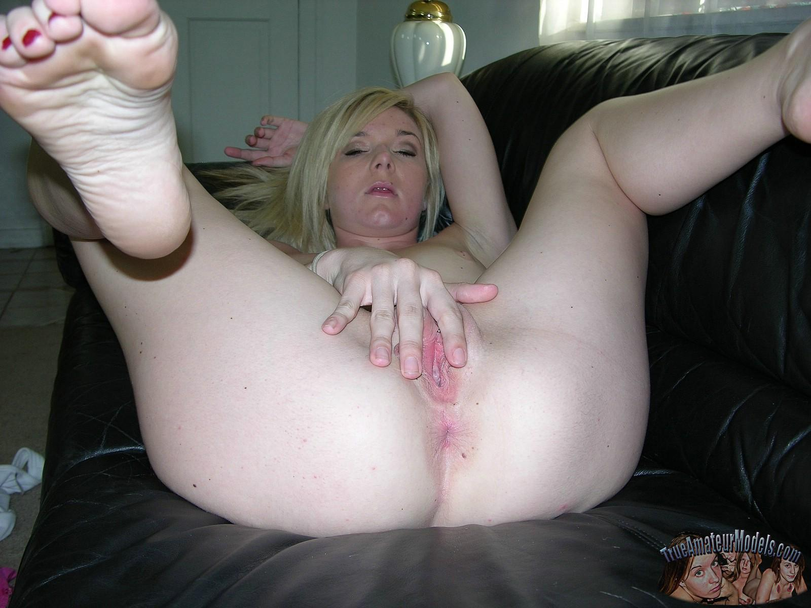 Amateur Blonde Teen Eryka Nude And Masturbating With Her -8738