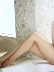 Redhead hottie Jayden Cole invites you to join her for a hot wet bath