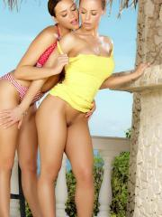 Mia Malkova and Nicole Aniston are loving some pussy eating action