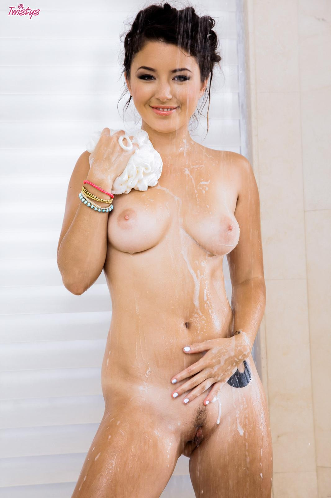 Korean babe Daisy Haze plays with her pussy in the shower ...