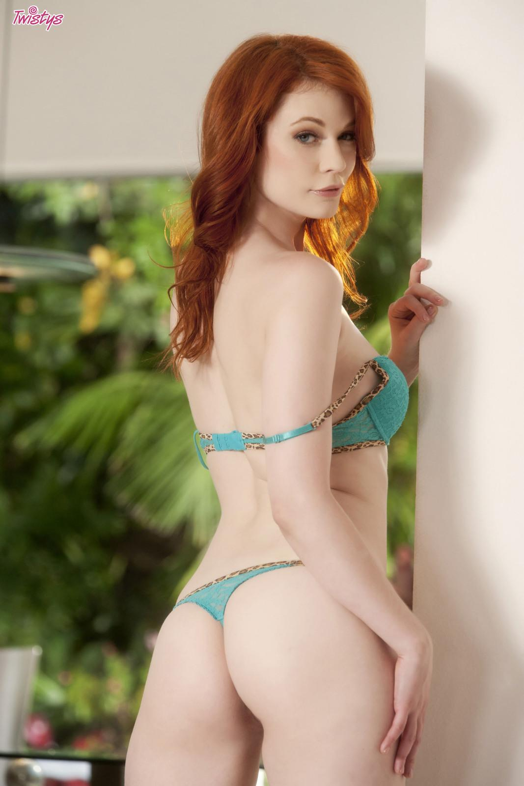sage-texas-redhead-model-coke-dick-first-kick