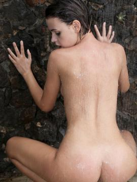 Showering With Ariela photo 14
